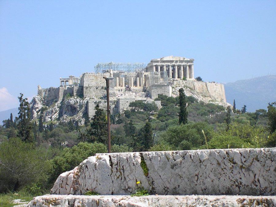 Афинский Акрополь издалека фотография