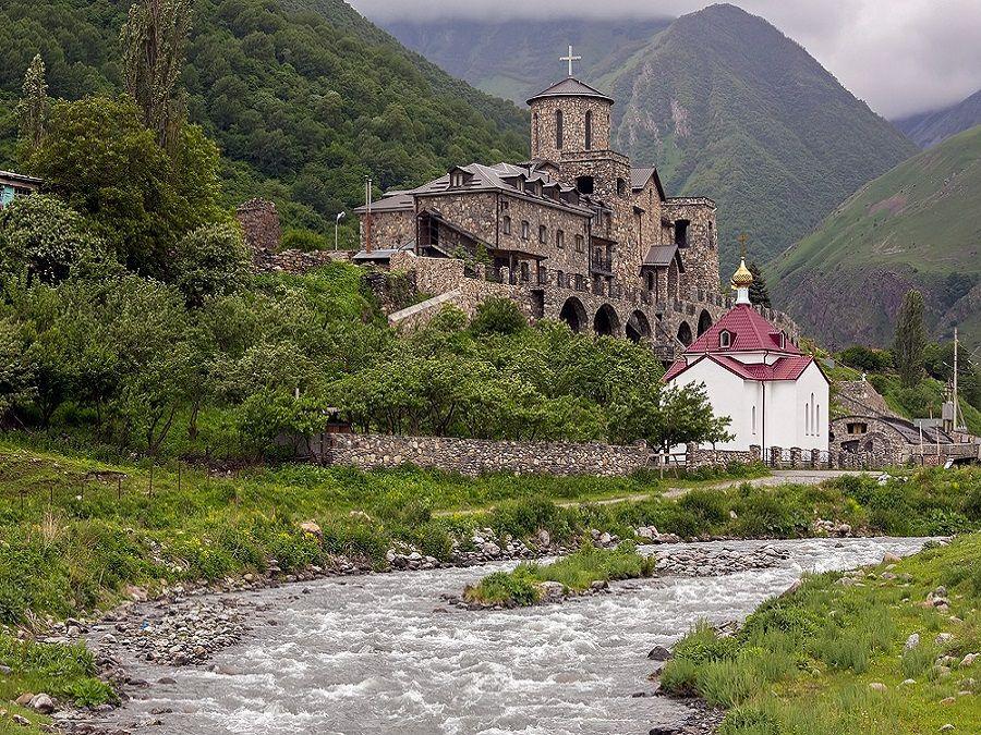 Фотография Аланского Успенского мужского монастыря в Ингушетии