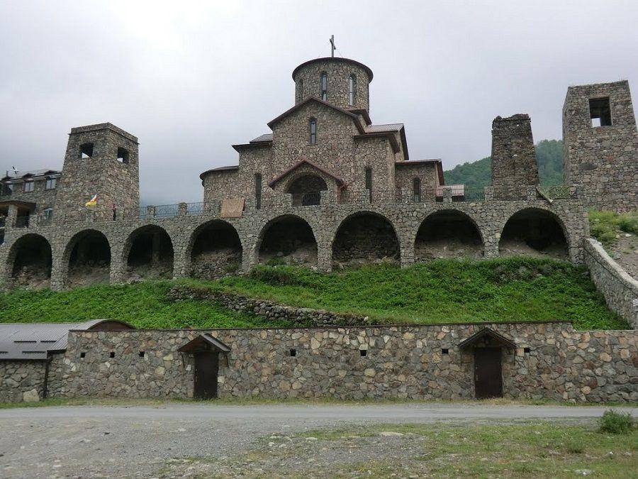 Аланский Успенский мужской монастырь фото Ингушетии