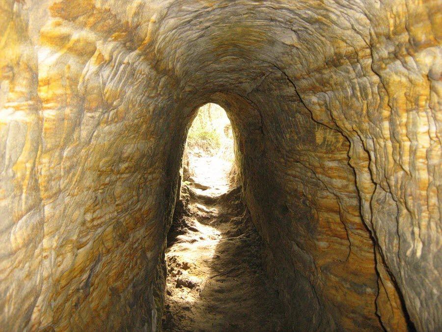 Араповские (Гремячевские) карстовые пещеры вид изнутри фото