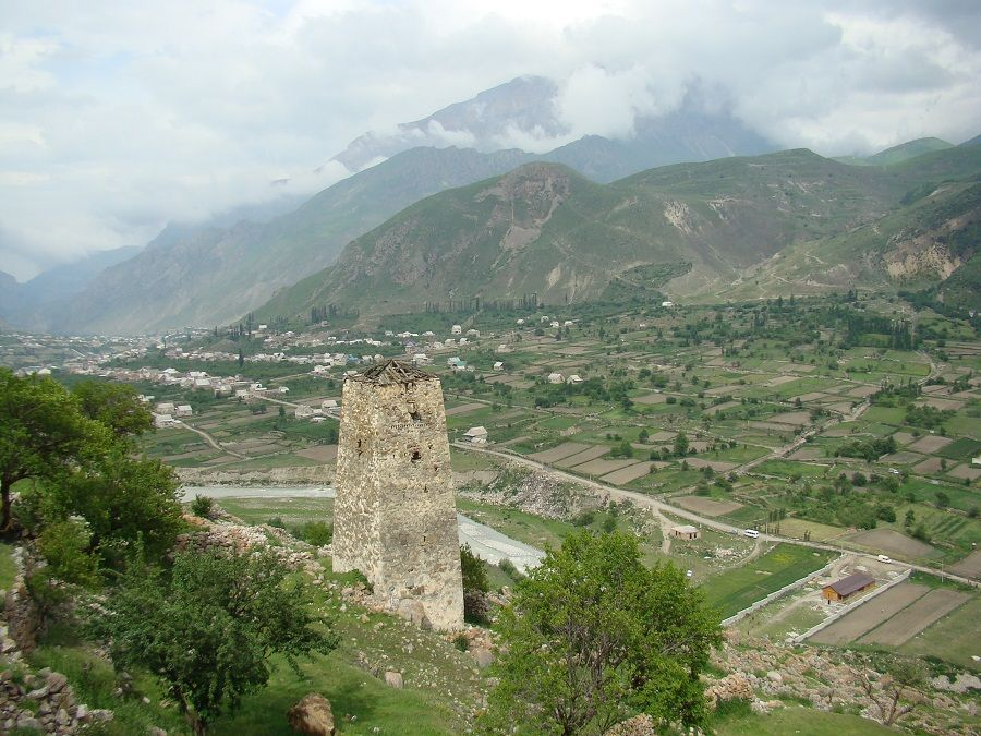 Фотография башни Болат-Кала в комплексе Верхняя Балкария
