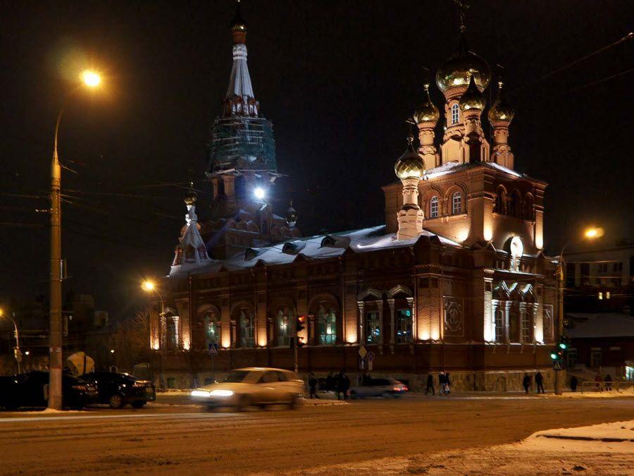 Вознесенско-Феодосиевская церковь в Перми вид ночью фотография