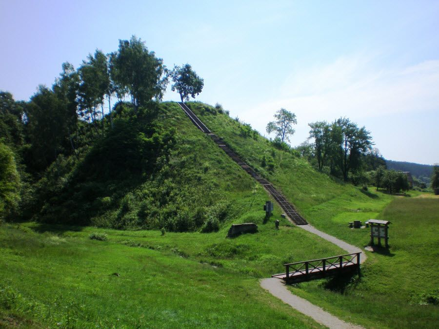 Фото красивых холмов Аукштайтийского парка. Литва