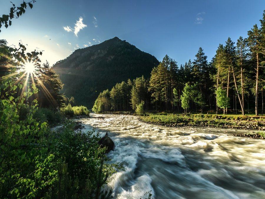 Фотография реки Баксан в ущелье