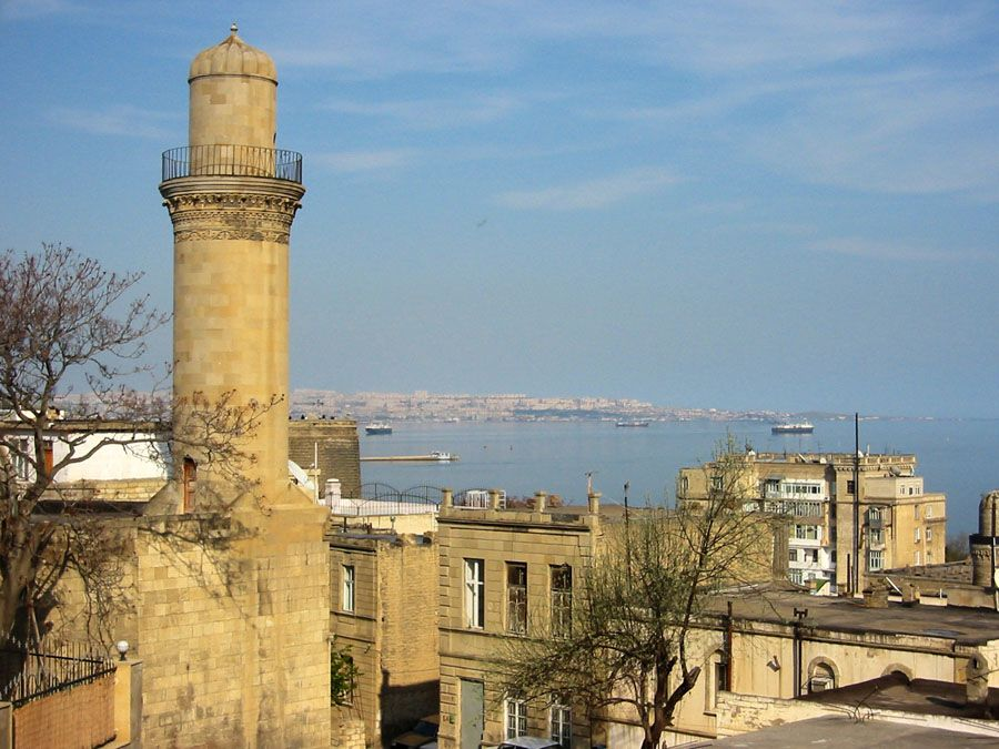 Исторические здания Баку