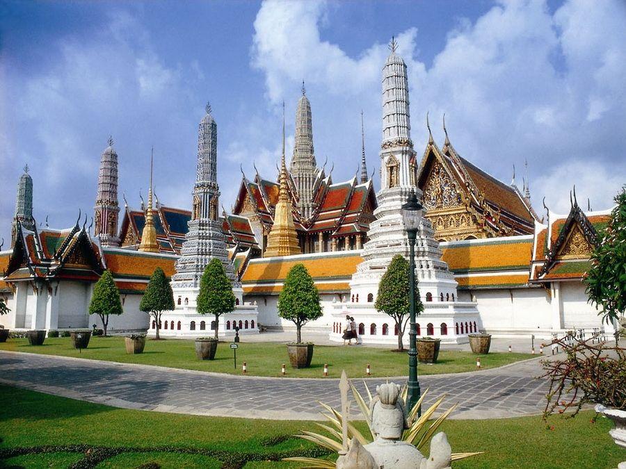 Комплекс Королевского дворца в Бангкоке фотография