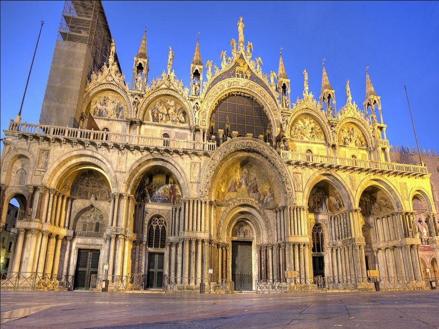 Фото собора Сан-Марко на Пьяцца-Сан-Марко в Венеции
