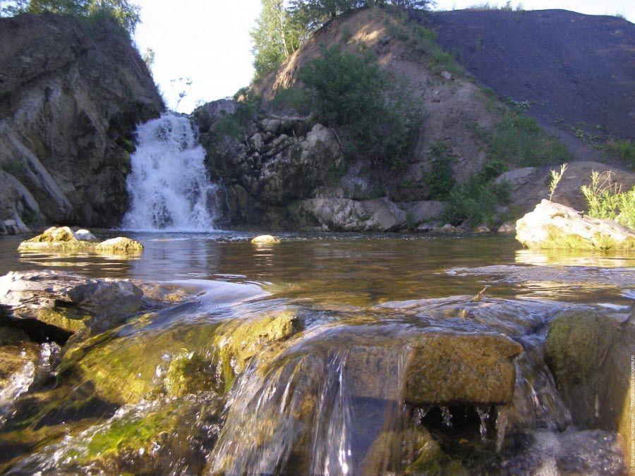 Беловский водопад в Новосибрской области фото