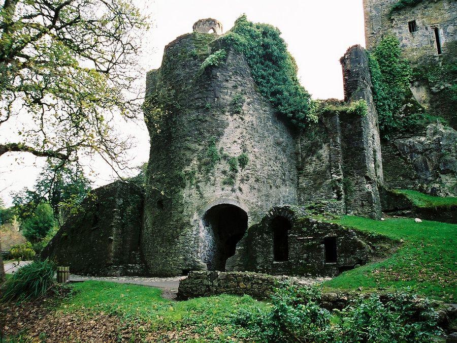 Древний замок Бларни в Ирландии фото