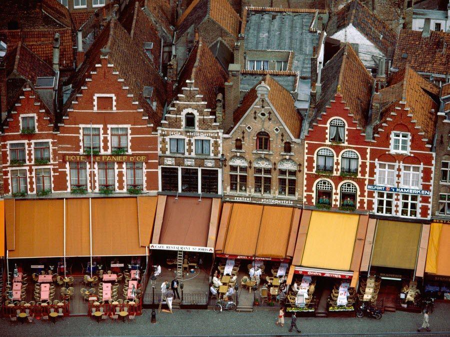 Фото рынок Грот в Брюгге. Бельгия