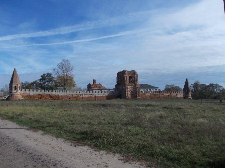 Севский монастырь в Брянской области фото