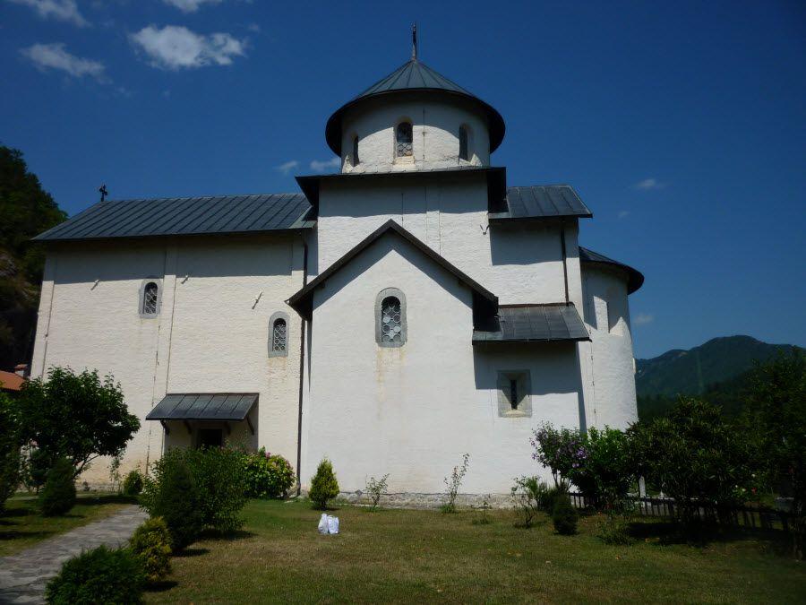 Церковь в национальном парке Скурати