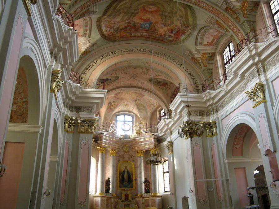 Фото интерьера собора Сошествия Святого Духа