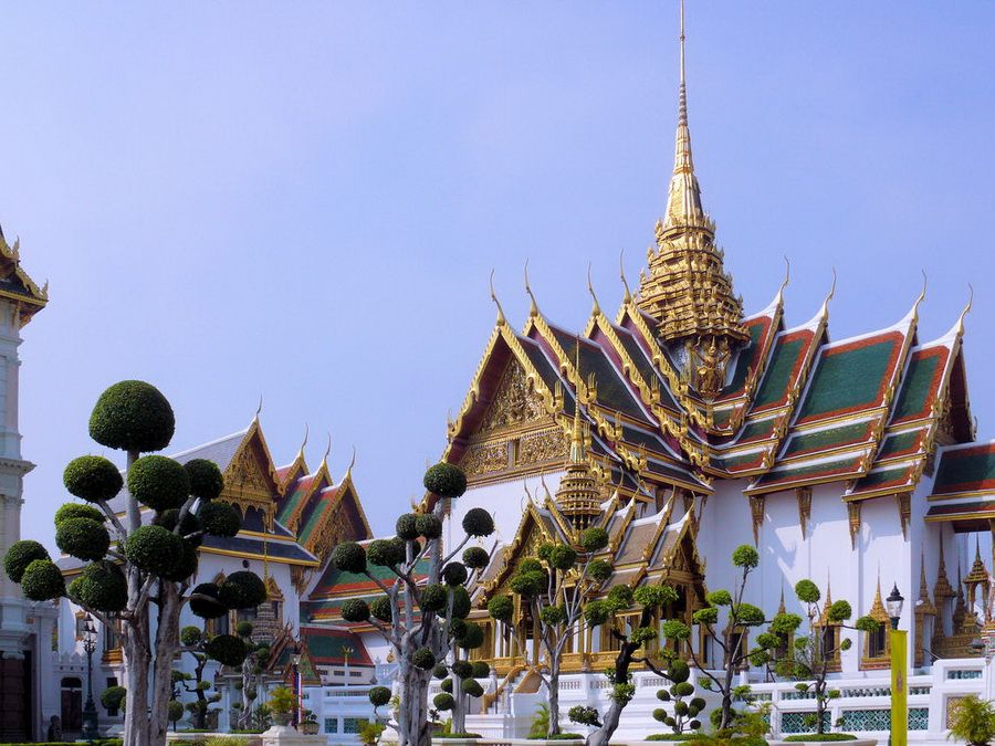 Фото личной резиденции короля Таиланда дворец Чакрабардибиман в Бангкоке