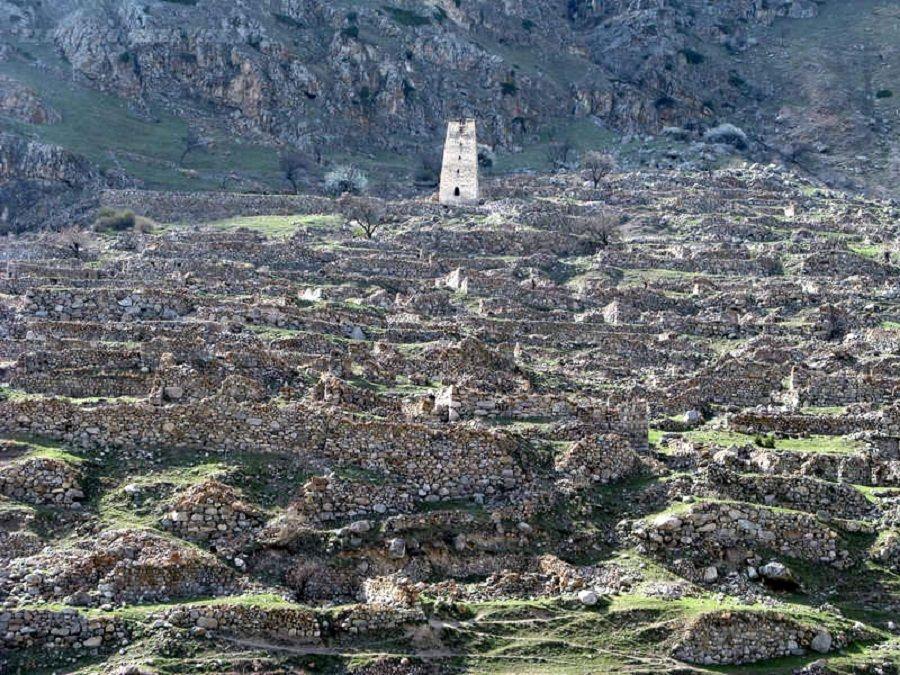 Фотография Города мертвых в Черекском ущелье