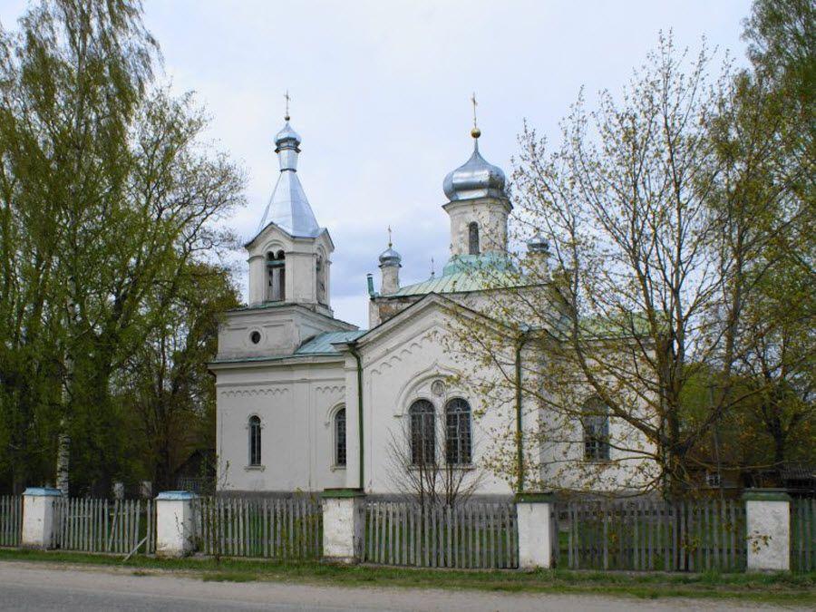 Церковь Богоявления Господня в Псковской области фото