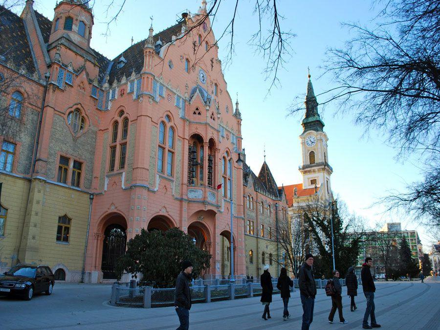Городская ратуша Кечкемет фотография