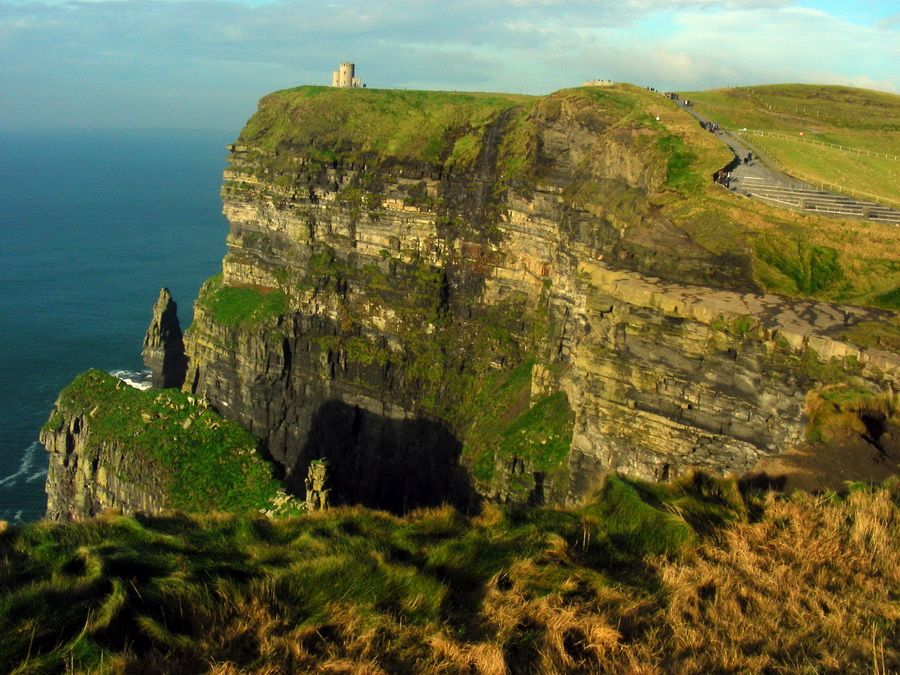 Уникальные скалы Мохер в Ирландии фото