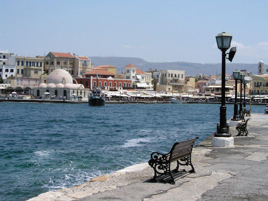 Набережная на острове Крит фотография