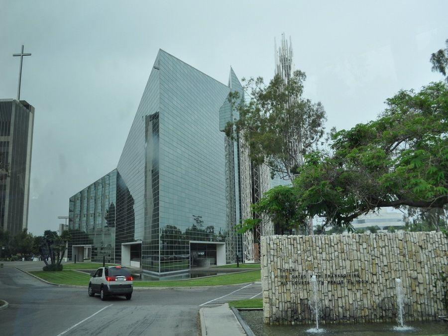 Вид на Хрустальный собор в Гарден Гроув Америка