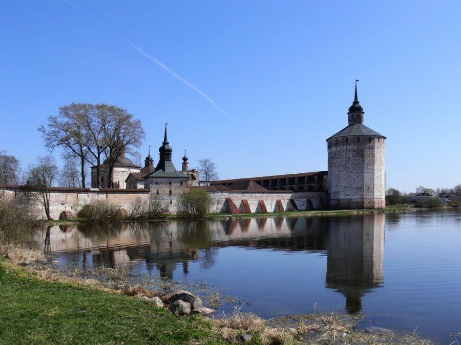 Кирилло-Белозерский или Кириллов мужской монастырь фото