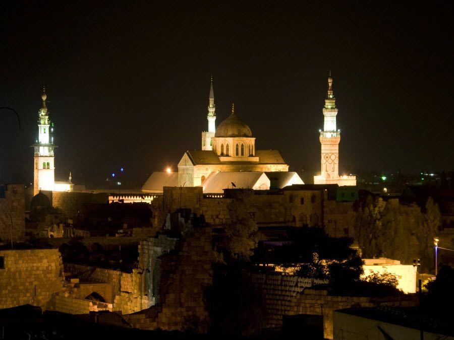 Мечеть Омейяд в Дамаске вид ночью фото
