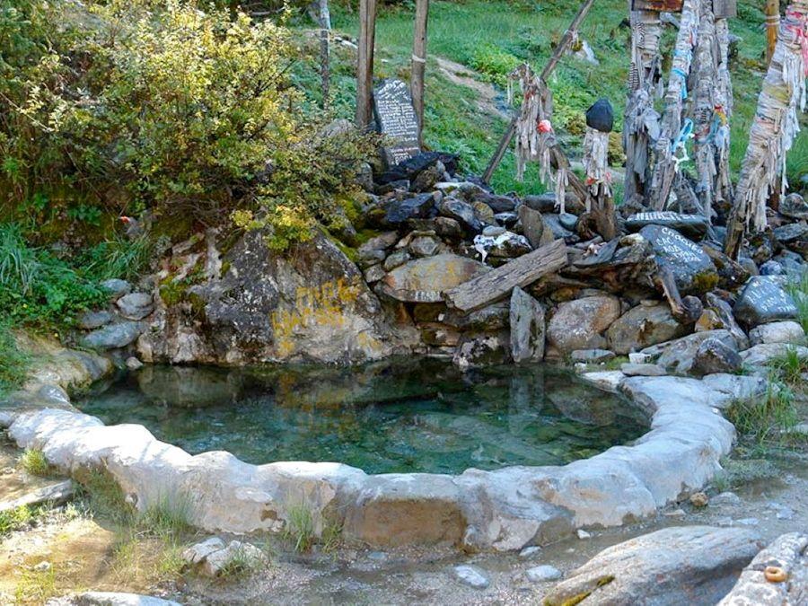 минерального источника в Долине Шумакских источников