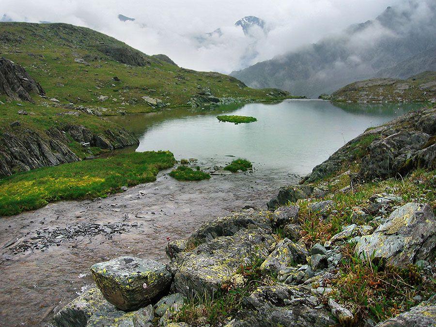 Фотография Черного озера в Долине семи озер