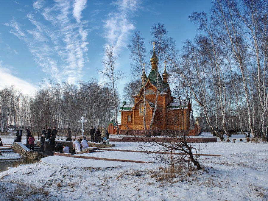 Святой источник минеральной воды Ачаирского монастыря фото