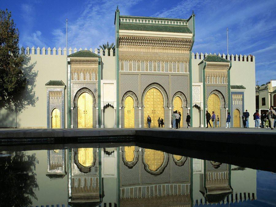 Королевский Дворец в городе Фес фото