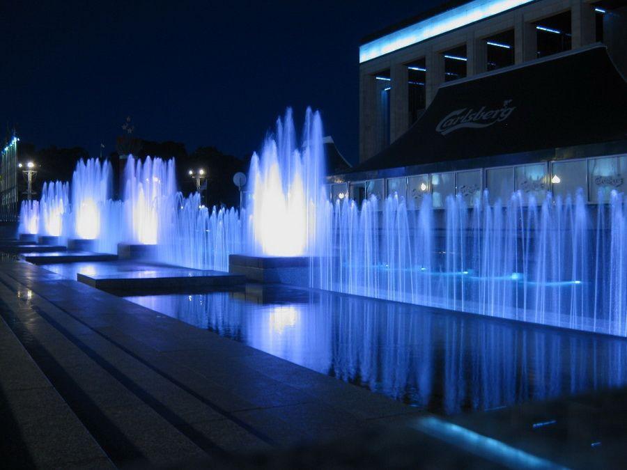 Фонтан на Октябрьской площади фото Минска