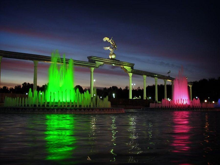 Фонтаны на Площади Независимости фото в Ташкенте