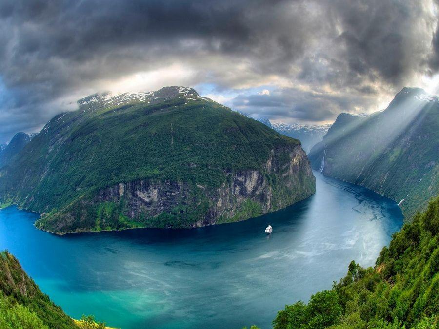 Гейрангер-фьорд фото вид с высоты