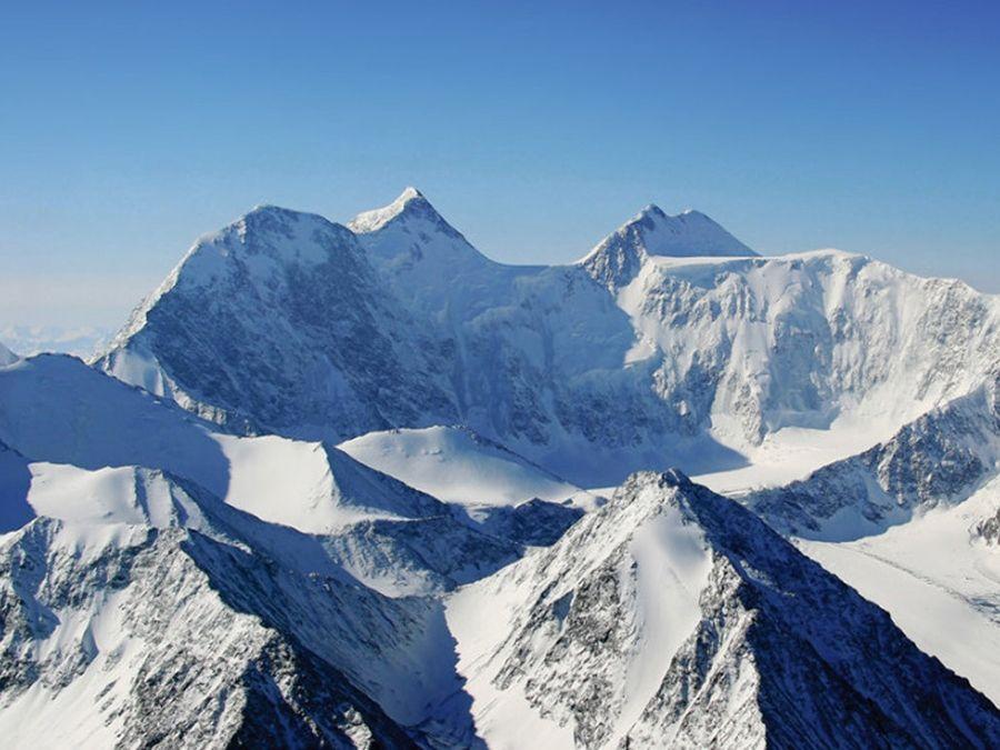 Фотография вершины горы Уч-Сумер