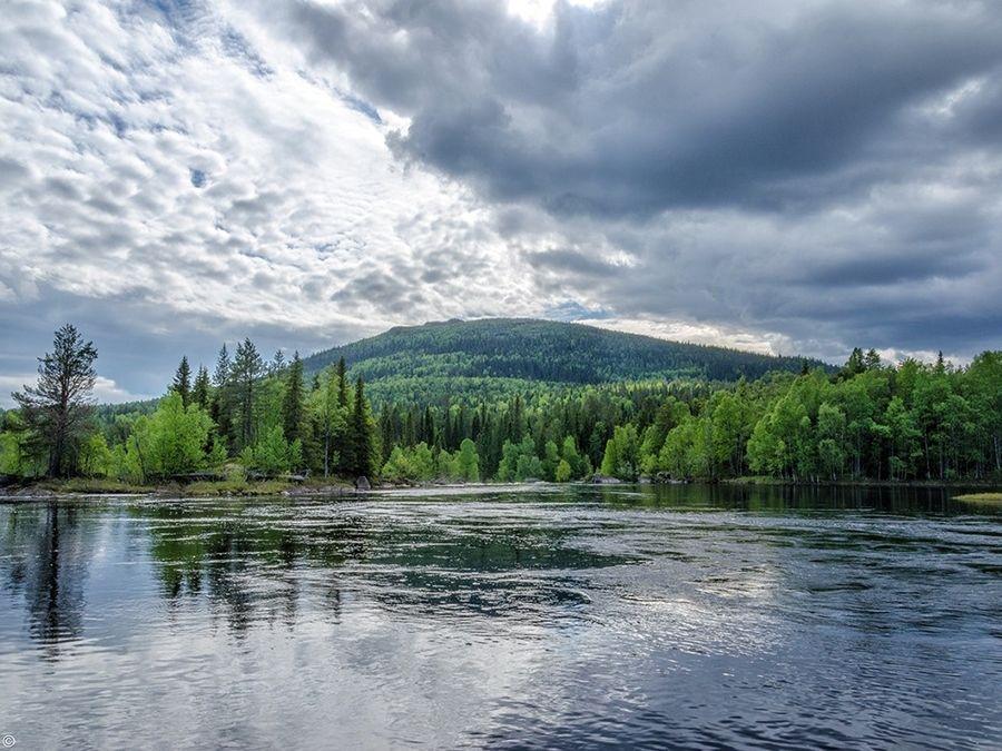 Гора Киваккатунтури вид с озера фото