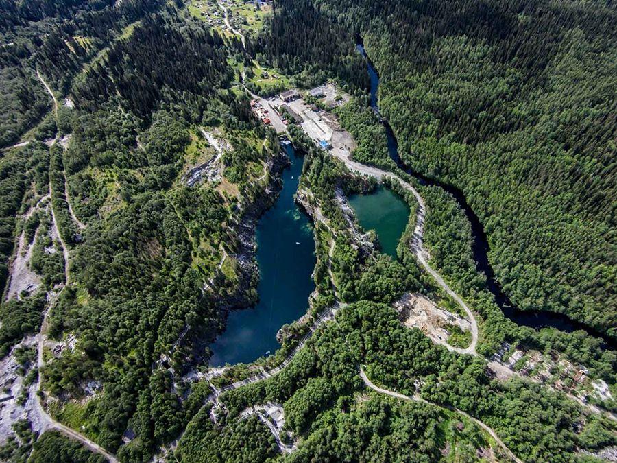 Фотография горного парка Рускеала вид сверху