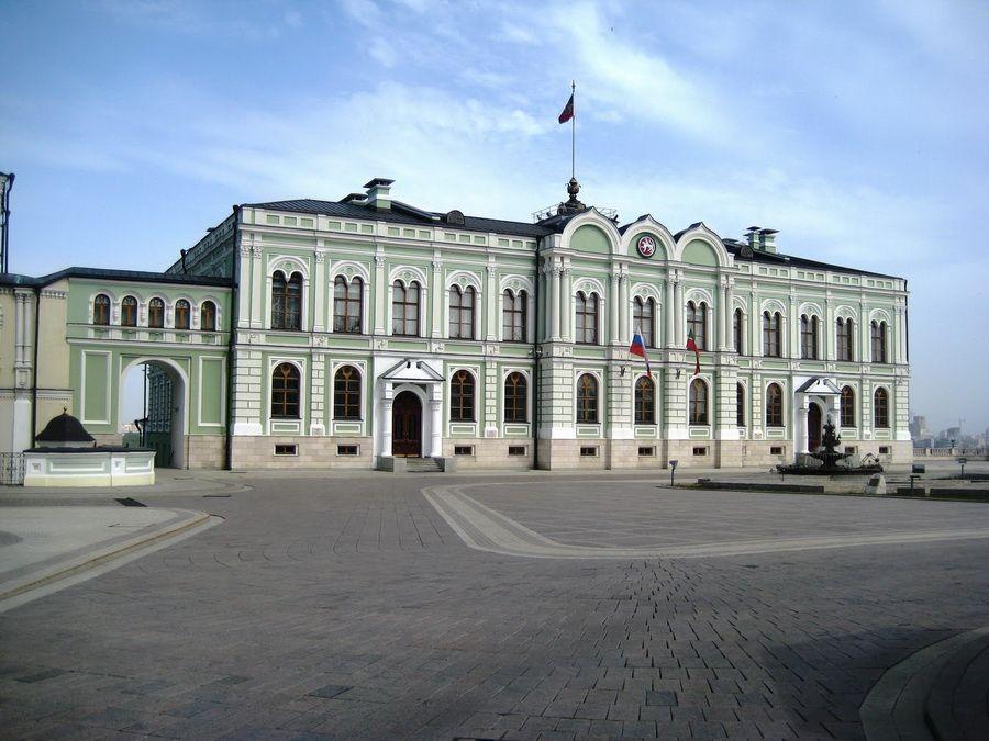 Губернаторский дворец в Казанском Кремле фото
