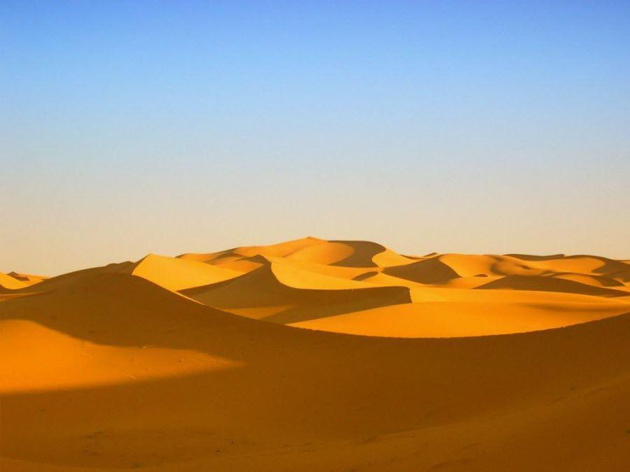 Фото ослепительного песка в пустыне Большой Восточный Эрг