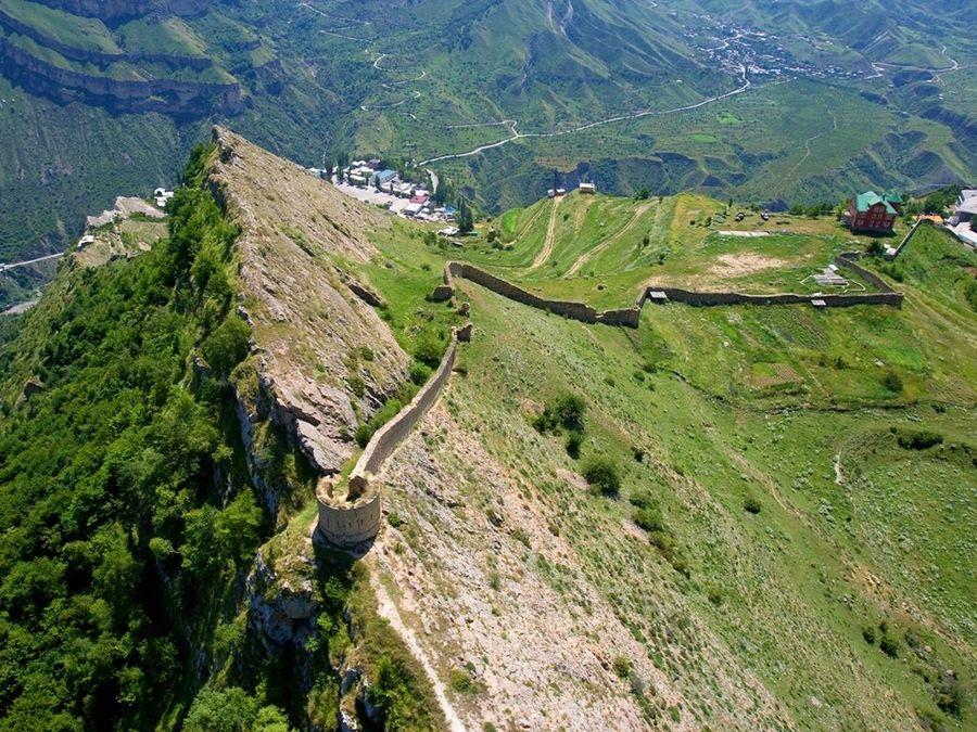 Фотография Гунибской крепости в Дагестане