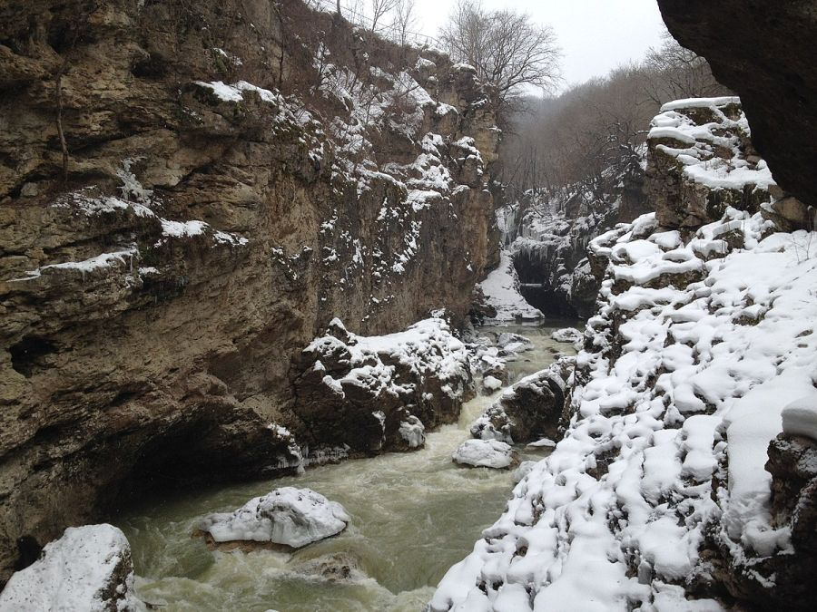 Фото Хаджохской теснины зимой