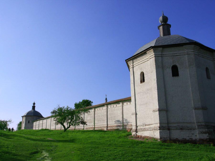 Панорама Свято-Успенского Свенского монастыря фото
