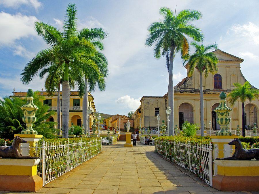 Фото панорамы церкви Святой Троицы в Тринидаде на Кубе