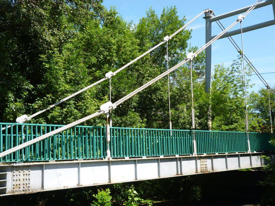 Мост на территории дома-музея И. В. Мичурина фото