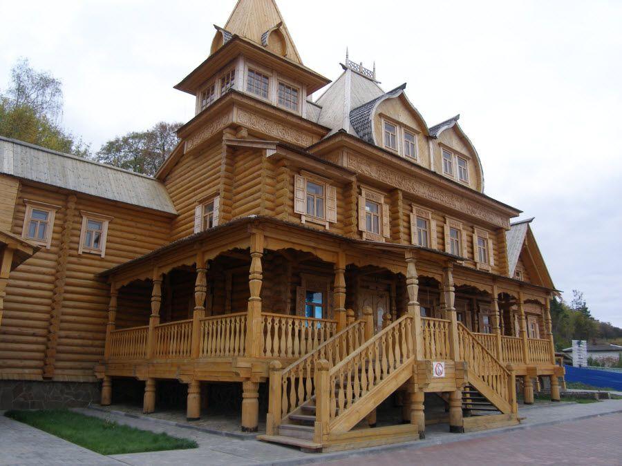Старинный деревянный особняк в Городце фото