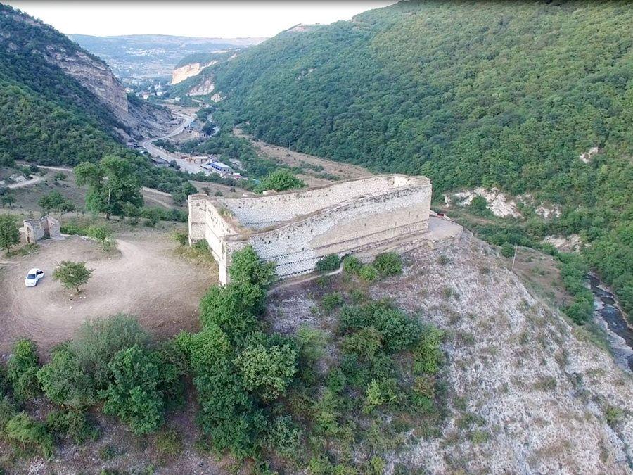 Хучнинская крепость фото вид сверху