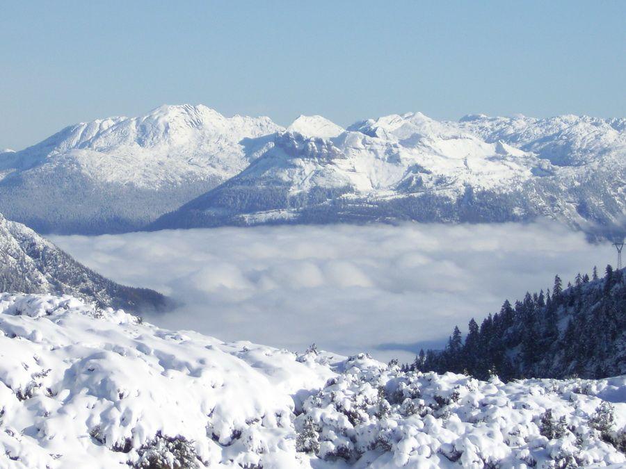 Фото панорамы гор в австрийском Инсбруке