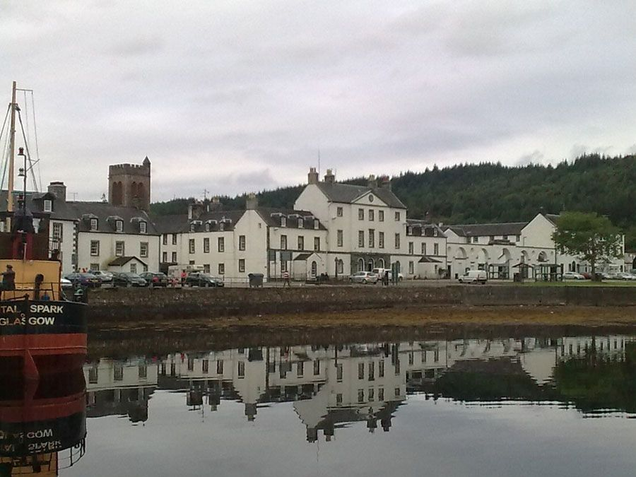 Город Инверари в Шотландии фото