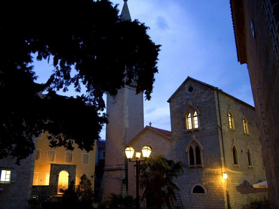 Фото архитектуры Свети Стефан