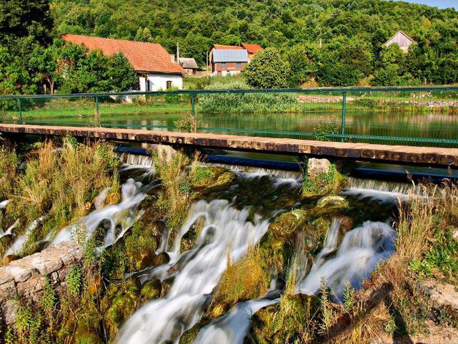 Фотография реки Лонеч в Иванич Граде Хорватия