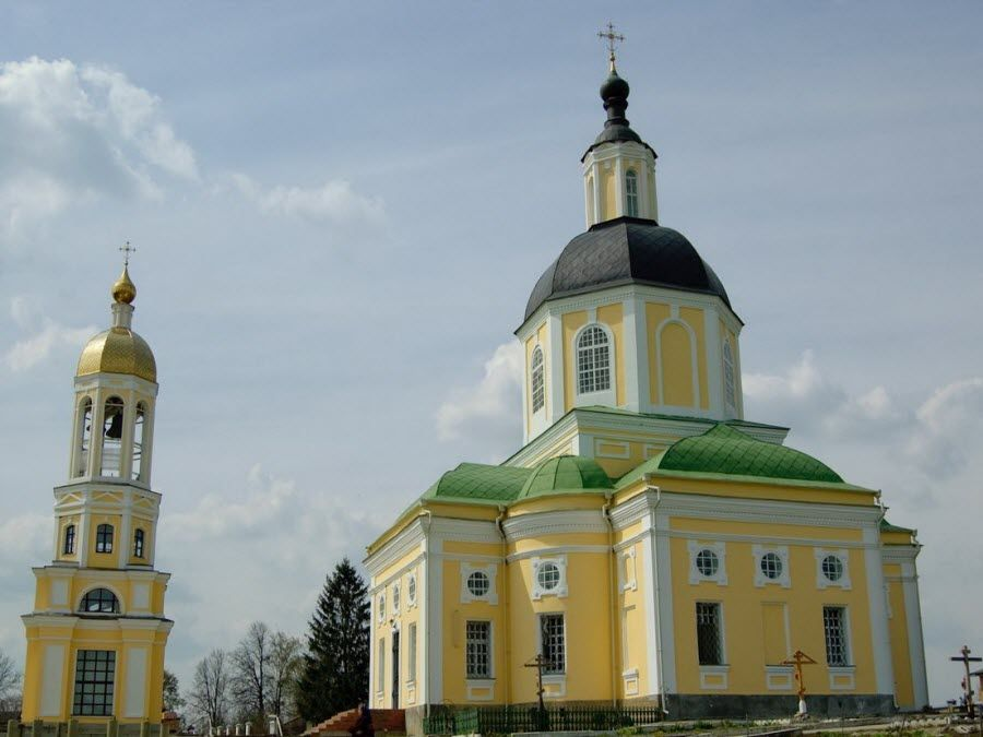 Фото красивого монастыря Калужской области